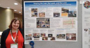 Laura at ACSP 2018 w Poster