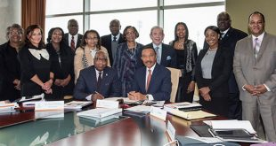 photo of Dr. Wilson with Board of Regents